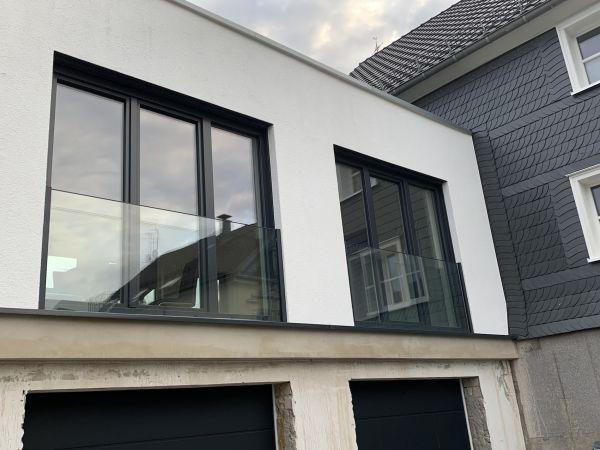Französischer Balkon Glas Fensterbrüstung View RAL - Edelstahl-Goldmann